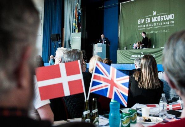 Folkebevægelsens MEP Rina Ronja Kari har sammen med flere fremtrædende europæiske EU-modstandere kritiseret EU-elitens skræmmekampagne i et læserbrev i den britiske avis The Telegraph. Foto: Alexander Zehntner
