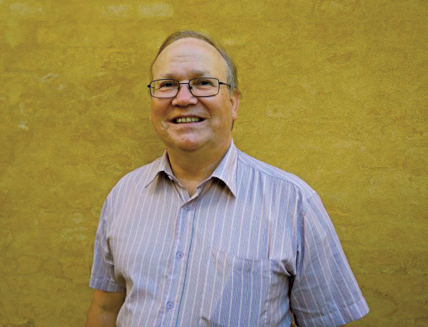 Poul Gerhard Kristiansenhar været med i Folkebevægelsen mod EU siden 1972, og han har været landssekretær siden 1996.