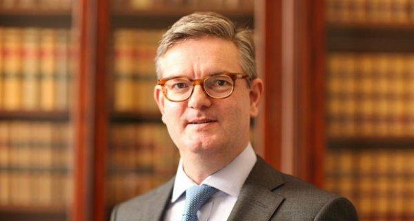 Sir Julian King skal godkendes af EU-parlamentet 15. september før han kan tiltræde som EU's nye sikkerhedskommissær. Foto: HM Government / Wikimedia Commons.