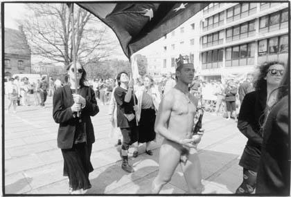 """Edinburgh-aftalen som """"kejserens nye klæder"""" ved 1. maj 1993 i Århus"""